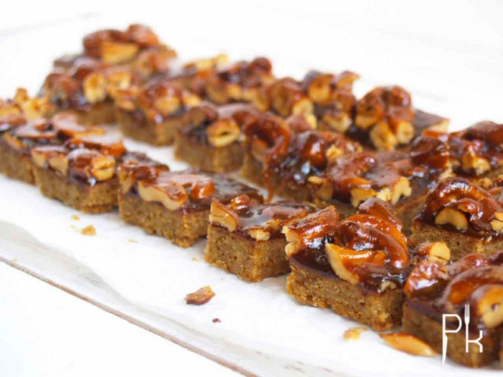 plaatkoek met noten
