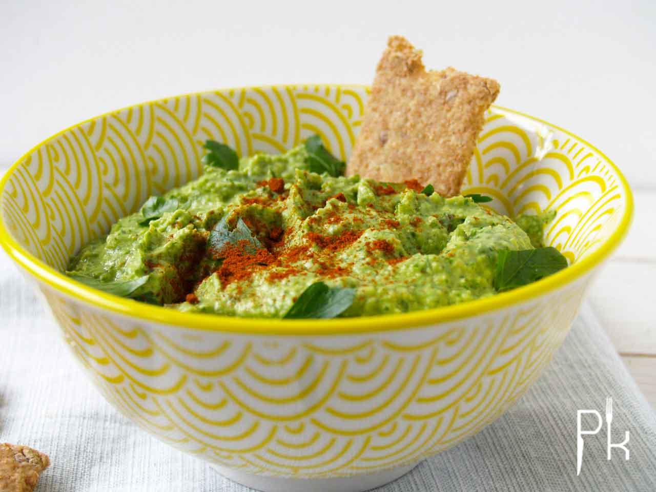 humus met peterselie