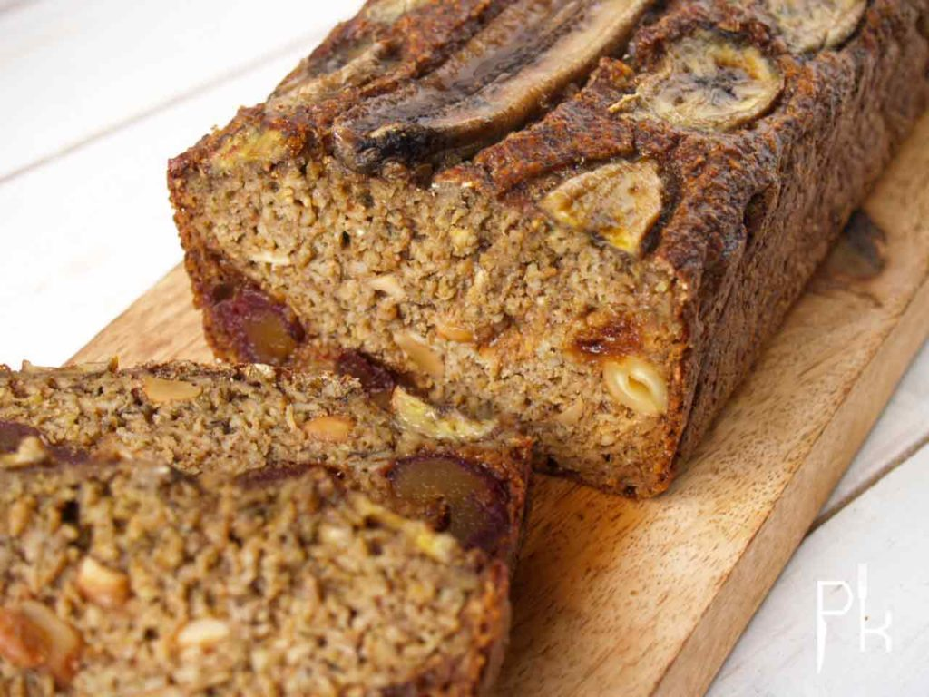 bananenbrood met dadel en noten