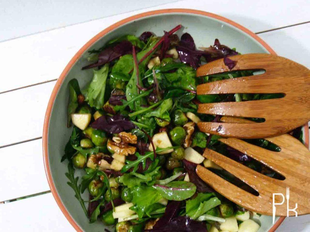 salade met spruitjes en noten