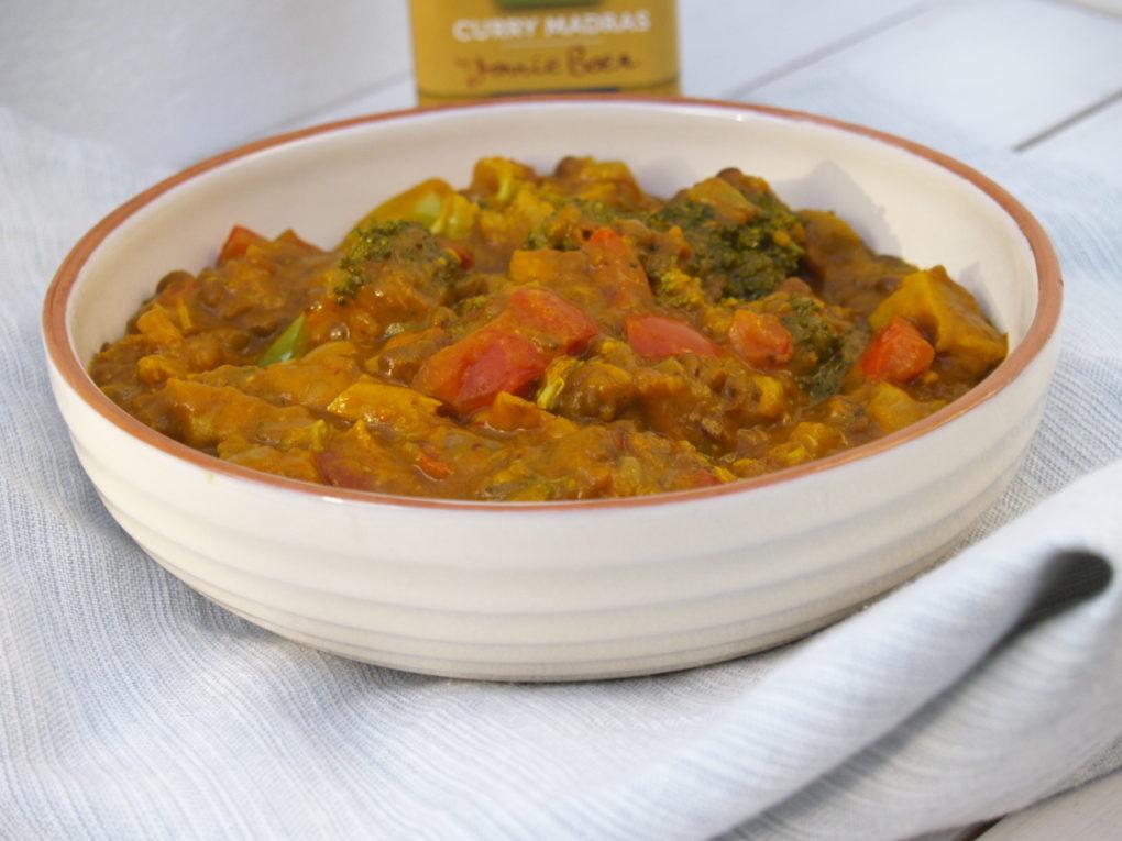 curry met broccoli, linzen en paprika